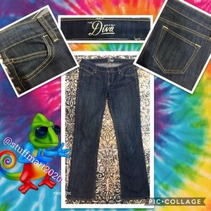 OLD NAVY DIVA BOOTCUT DARK WASH AUTHENTIC SIZE 2
